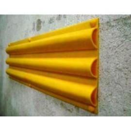 Goma flexible para protección de paredes ante rozaduras de vehículos.