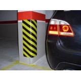 Esquinera protectora para parking en amarillo y negro